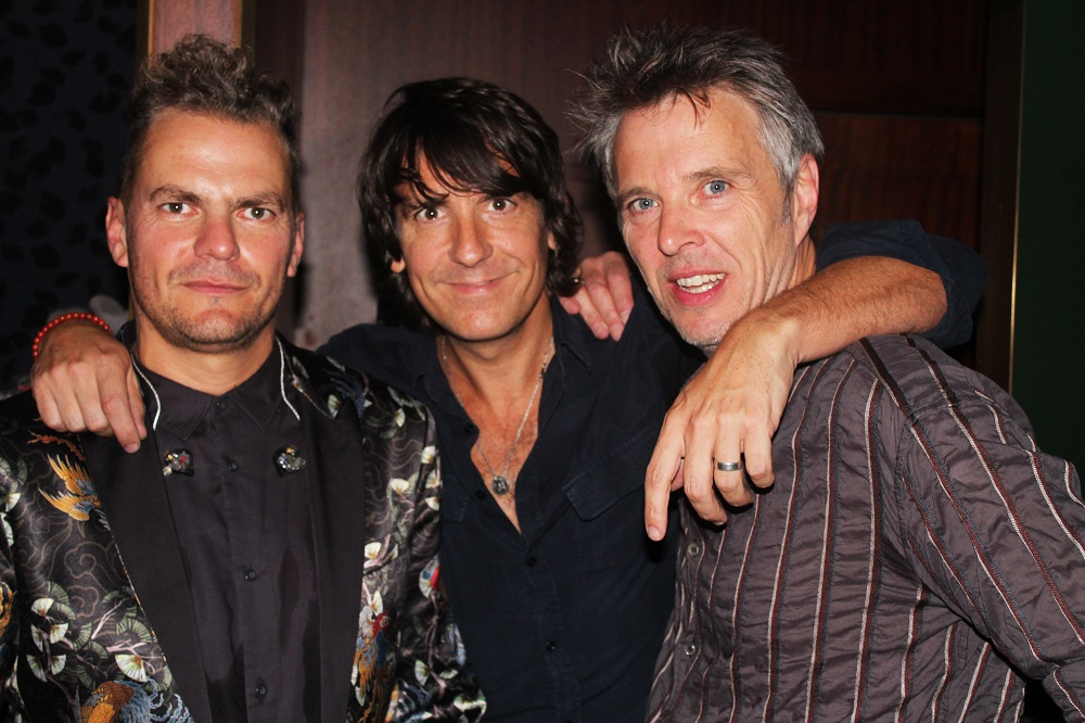 SHOPPERTAINMENT DANCED IN THE MOONLIGHT WITH TOPLOADER!
